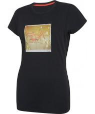 Dare2b Bayanlar iki siyah tişört alıyorlar